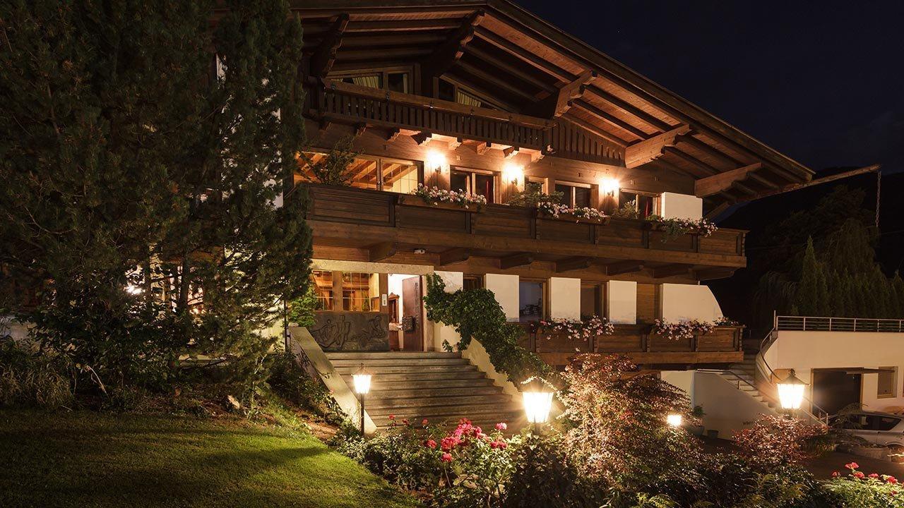 Trails Garni Hotel Rinner