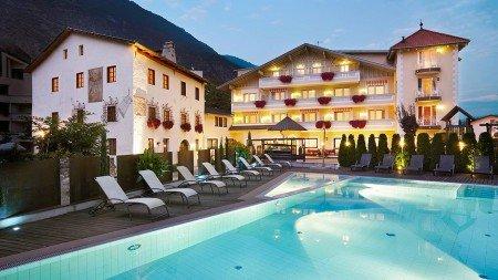 hotel-matillhof-abend-01
